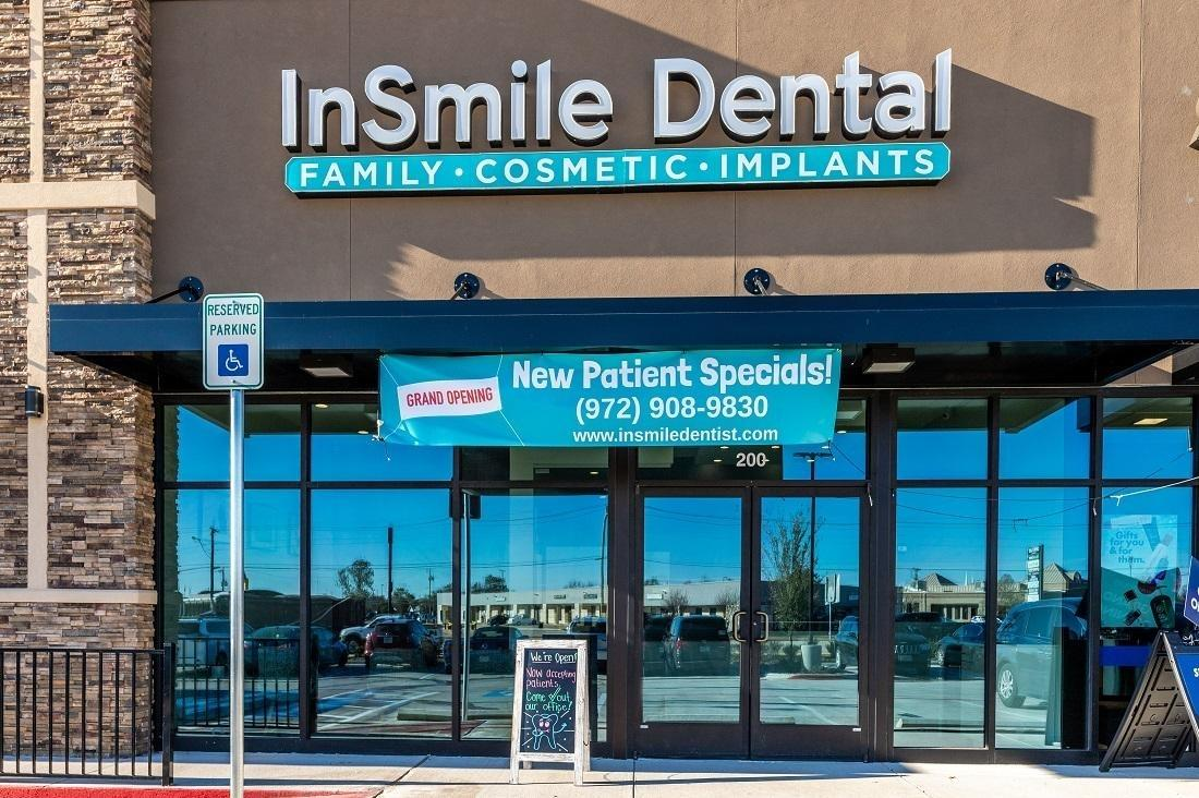 Outside Entrance of InSmile Dental
