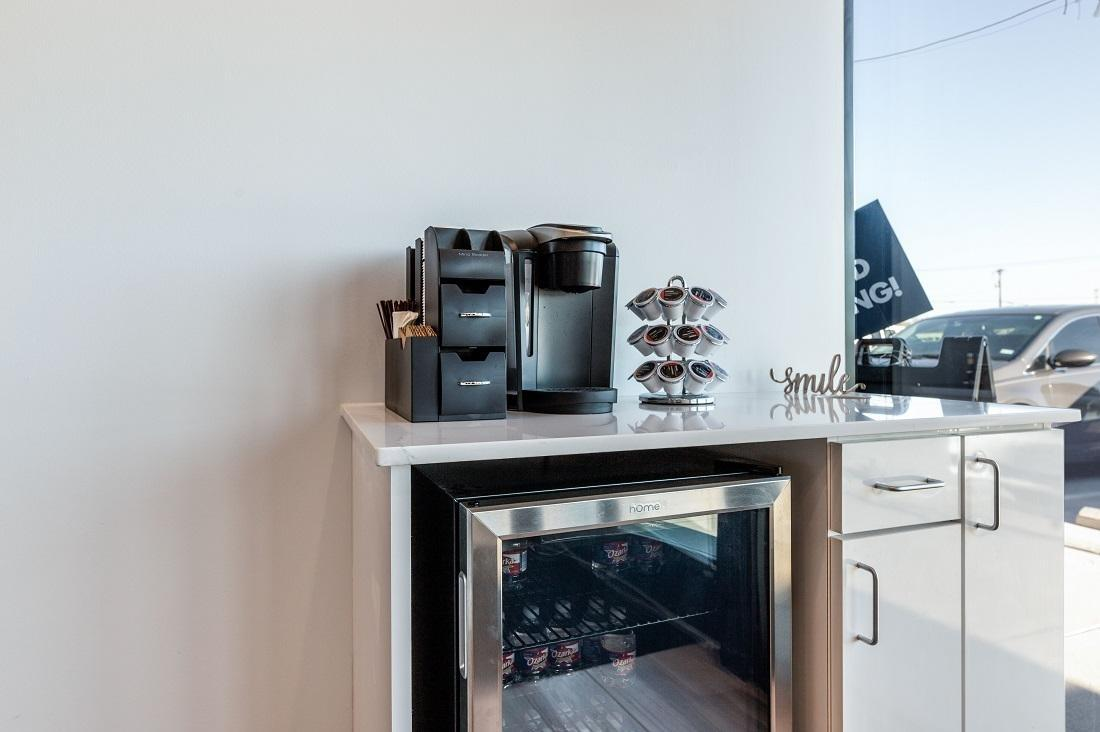 Refreshment Station with coffee machine and refrigerator with water